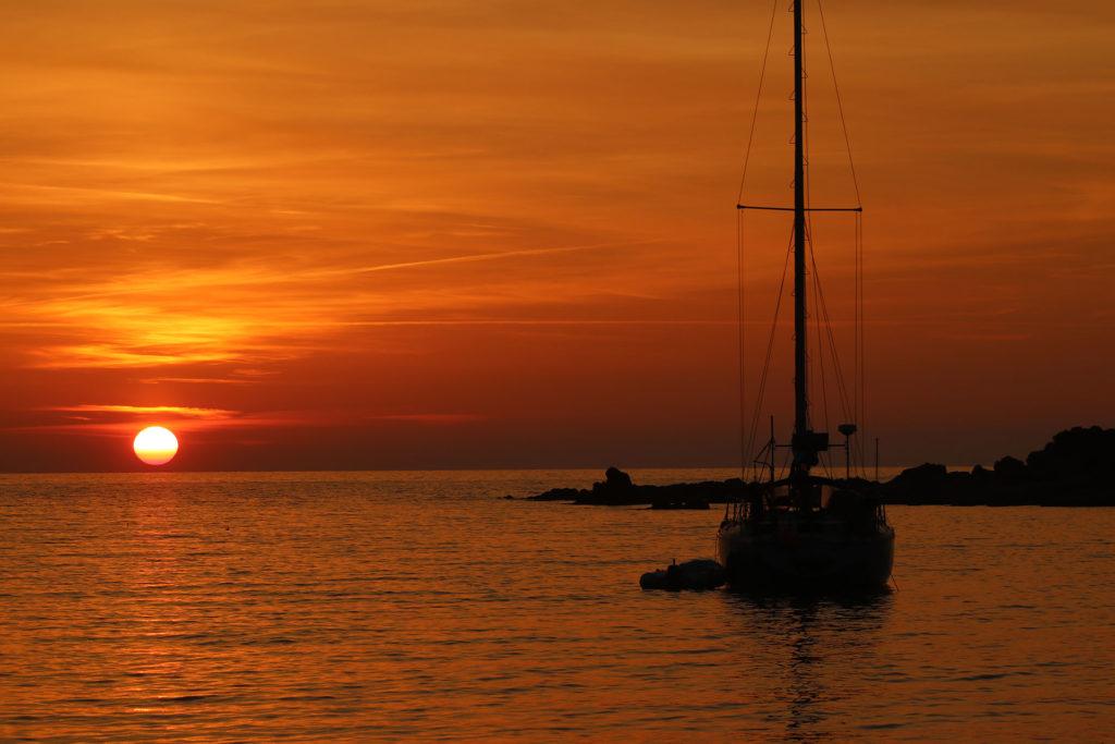 Coucher de soleil à bord du voilier